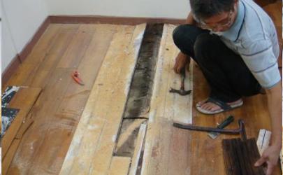 滴在地板上的油漆怎么去除