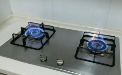 天然氣灶打不著火可以用打火機點嗎