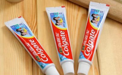 头发上的牙膏干了怎么办
