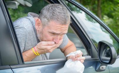 晕车跟车里的味道有关吗