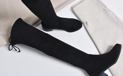过膝靴里面穿什么袜子
