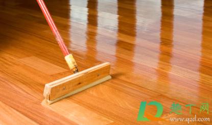 木地板上油还是打蜡1