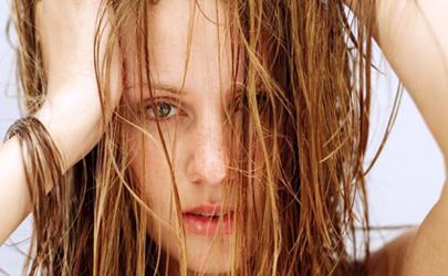 洗头发放盐能防止脱发吗