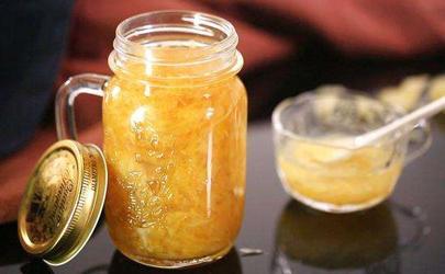 柚子皮泡水是用外皮还是里面的