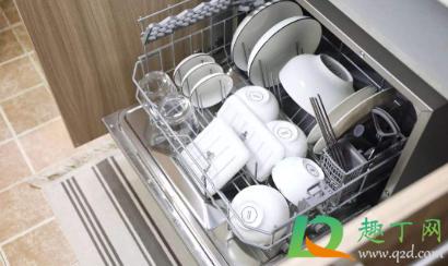 自动洗碗机用水多吗1