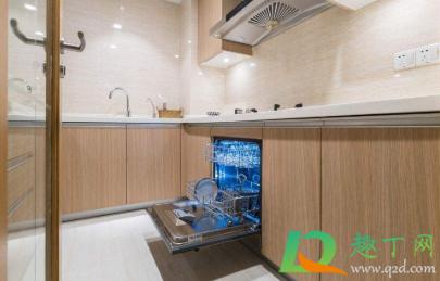 自动洗碗机用水多吗2