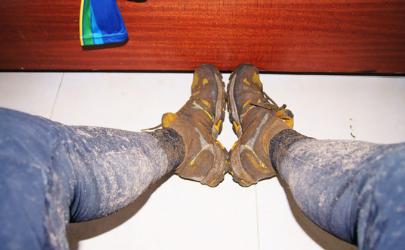 裤子上的泥巴印怎么洗掉