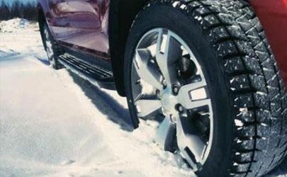 雪天上坡上不去溜车怎么办