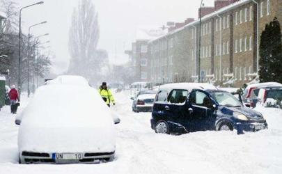 车上积雪等着自己融化可以吗