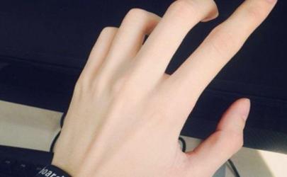 手指毛孔粗大如何改善