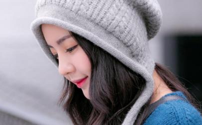 冬天戴白色帽子还是黑色帽子