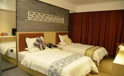酒店床尾巾是不是夫妻办事用的