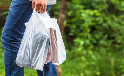 现在超市的塑料袋是可降解的吗