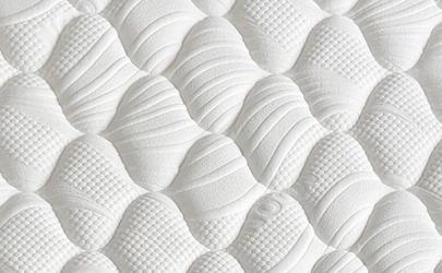 乳胶床垫夏天睡觉热不热