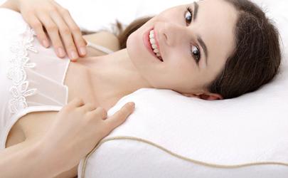 为什么乳胶枕会粘住枕套