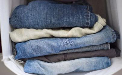 牛仔裤上的绿草汁能洗掉吗