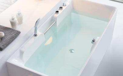 亚克力浴缸上的污渍怎么去除