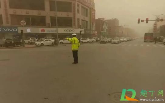 沙尘暴开车有影响吗插图1