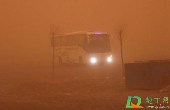 沙尘暴开车用内循环还是外循环插图