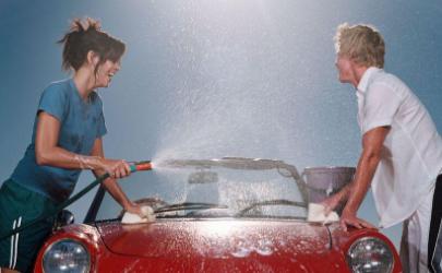 没有洗车液可以沐浴露代替吗