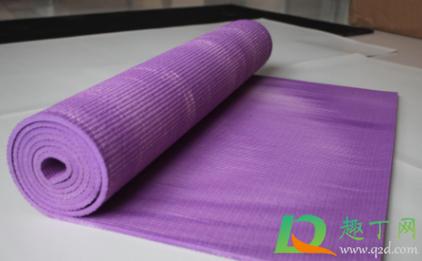 瑜伽垫使用光滑面还是有棱面1