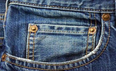 牛仔裤上的小口袋一开始是干嘛的