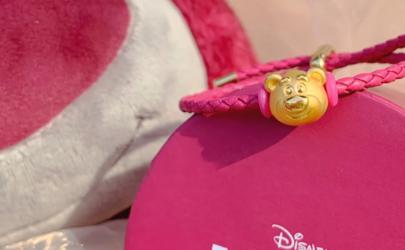 周大福迪士尼草莓熊吊坠多少钱