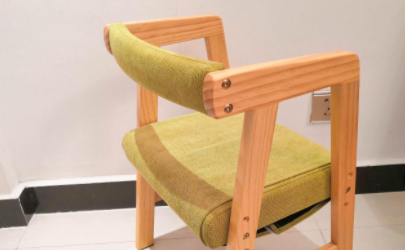 木头椅子松动怎样固定