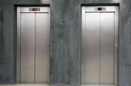 电梯冲顶为什么会死2