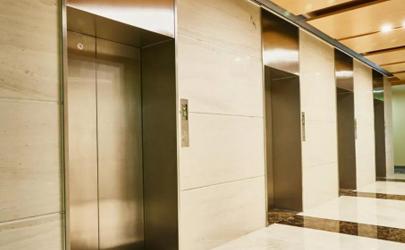 电梯冲顶为什么会死