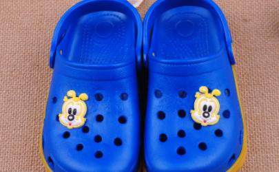 洞洞鞋会不会臭脚