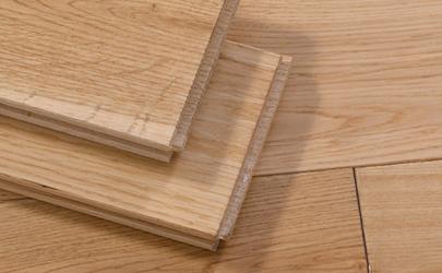 铺木地板下面垫的是什么东西
