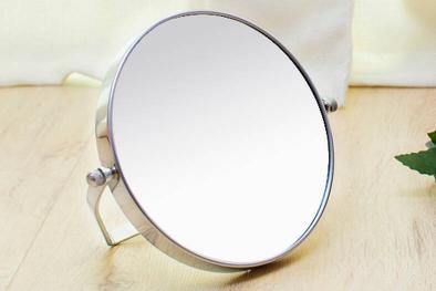 如何利用镜子拍出好看的照片插图1