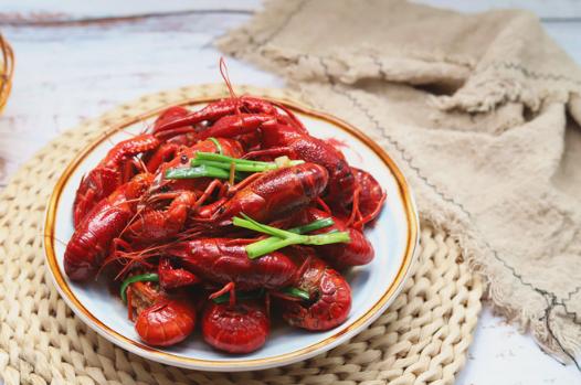 小龙虾煮熟后肉质松散是不是坏了插图