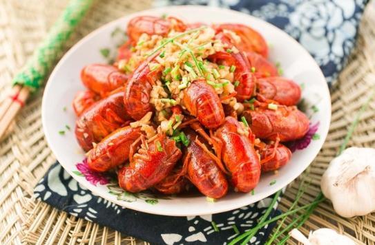 小龙虾1.5斤够两个人吃吗插图2