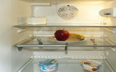 新买的冰箱两侧烫手是正常的吗