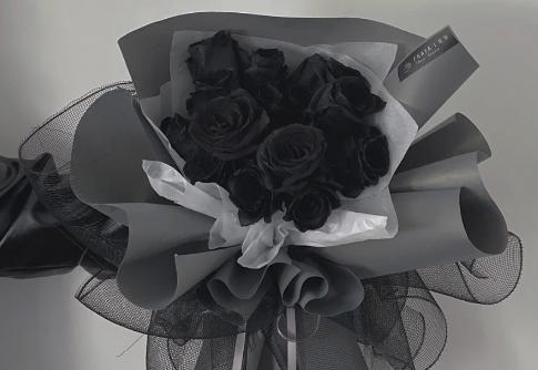 厄瓜多尔黑玫瑰是染色的吗1