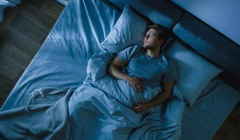 晚上睡不着吃点东西就能睡着正常吗插图