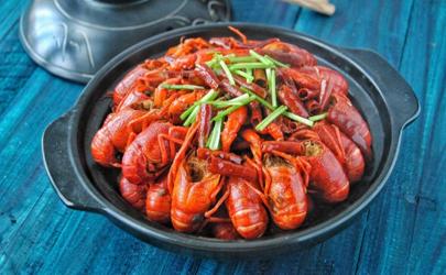 小龙虾的头剪一刀剩下的能吃吗