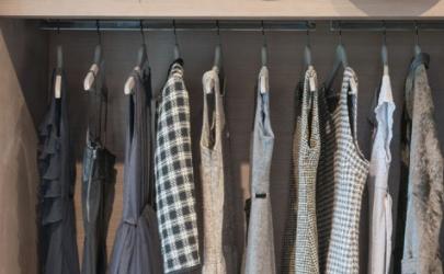 衣服放衣柜会吸甲醛吗