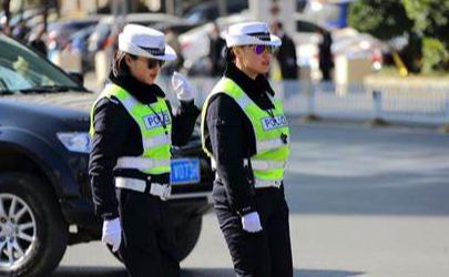 北京交警app随手拍合法吗