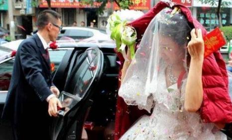 婚车接完新娘是不是直接就走了插图2