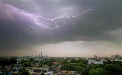 2021年8月为什么一直下雨