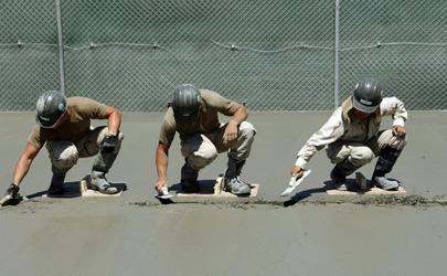 水泥地上胶漆怎么去除