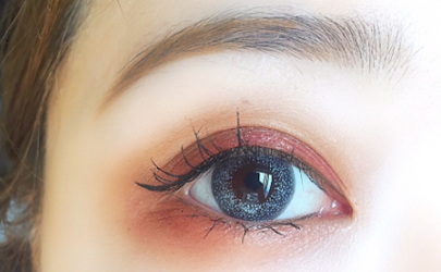 美瞳的颜色是怎么弄上去的