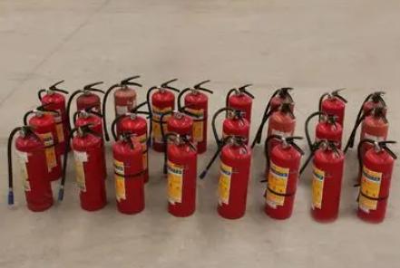 干粉灭火器出厂满几年需要进行报废3