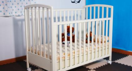 婴儿床买1米还是1米22