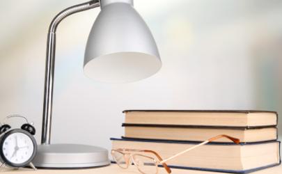 5w台灯适合看书吗