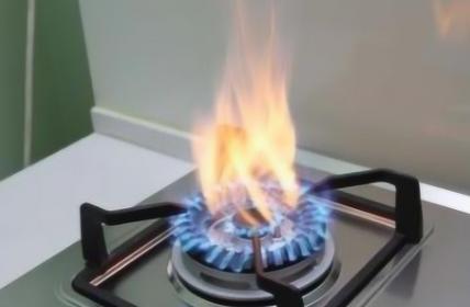 煤气开火吱吱响正常吗(开煤气时发出嘶嘶声音正常吗)
