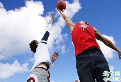夏天打篮球怎么防中暑 夏天打篮球中暑怎么办
